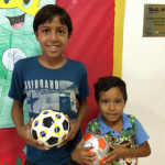 ナタールの小児がんセンターの子供たちにサッカーボールを寄付してきました。