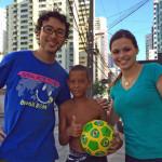 レシフェで道ゆく子供にサッカーボールをあげてきました。