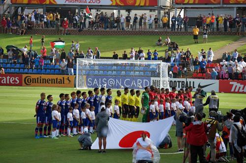 日本対パレスチナ